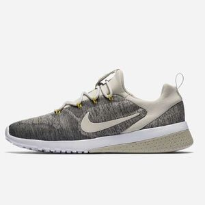 👟 Brand New!! Gray and Yellow Nike CK Racers 👟